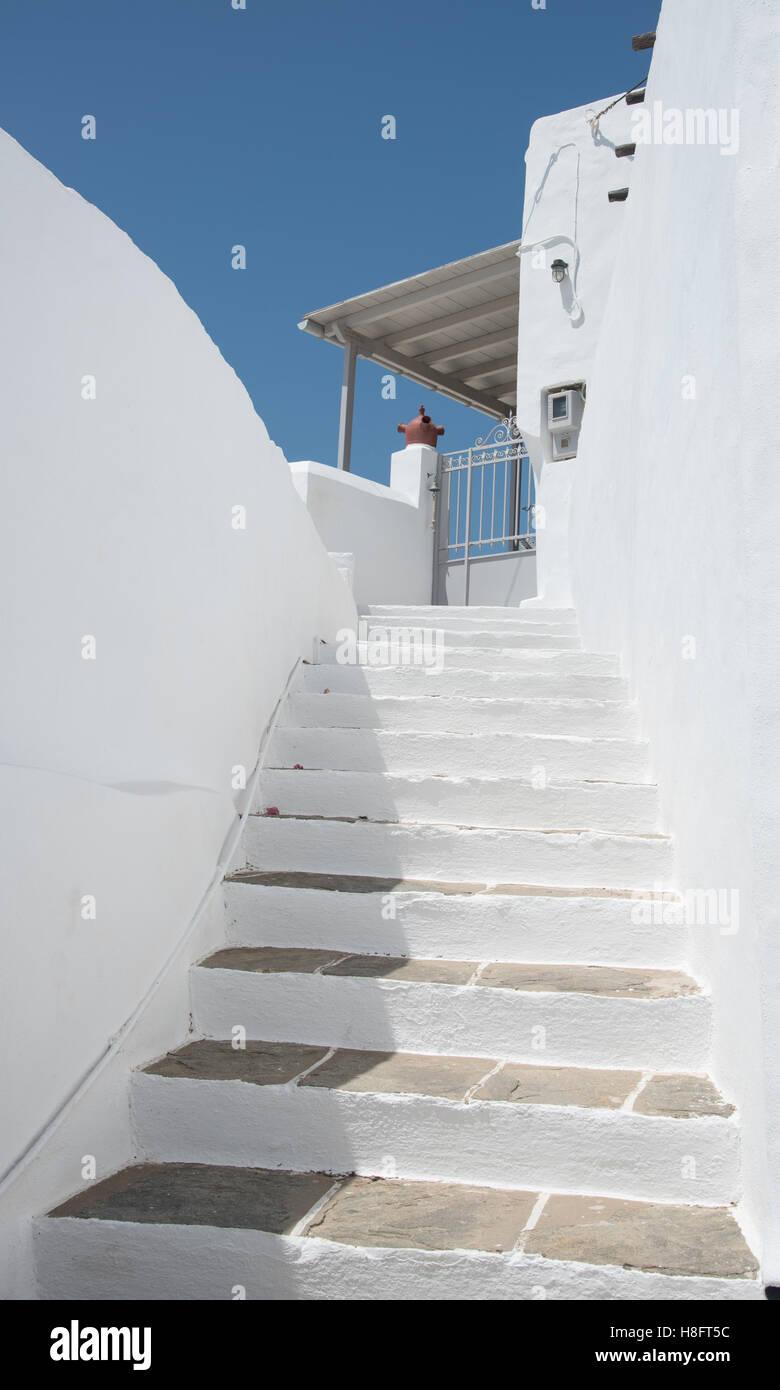 Traditionelle Griechische Insel Die Weisse Treppe Fuhrt Zum