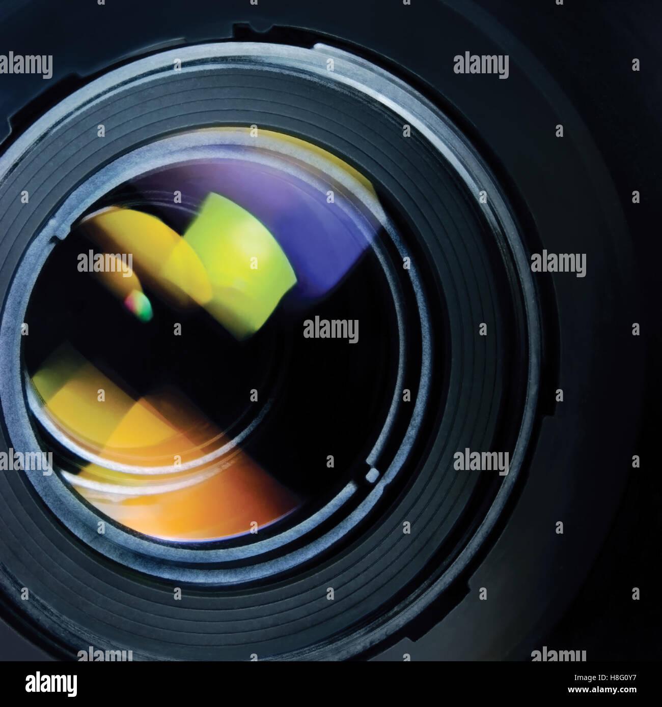 Objektiv und Kapuze große detaillierte Makro Zoom Closeup, buntes Glas Reflexionen Stockbild