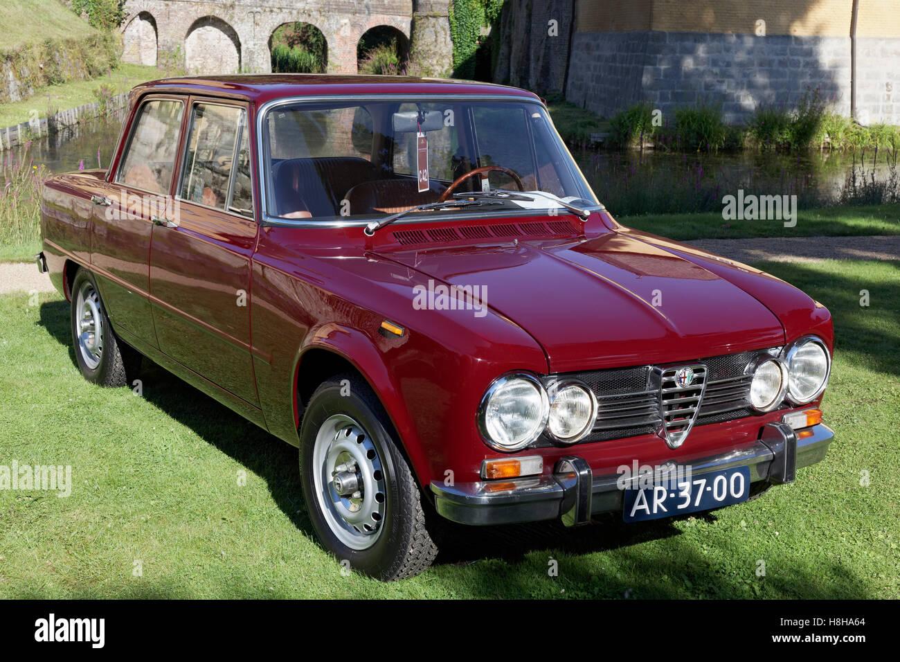 Alfa Romeo Giulia Super, Baujahr 1972, italienische Oldtimer, Jüchen, Schloss Dyck Classic Days 2016, Niederrhein Stockbild