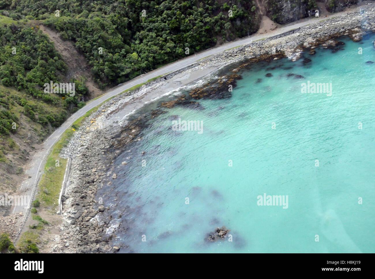 Kaikoura. 14. November 2016. Luftbild, aufgenommen am 14. November 2016 zeigt die beschädigten Autobahn in Stockbild