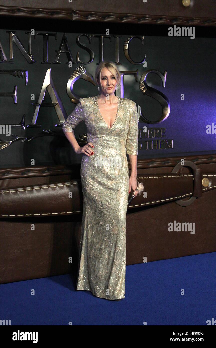 """Harry Potter Autorin j.k. Rowling kommt in die Europa-Premiere des Films """"Phantastische Tierwesen & Stockbild"""