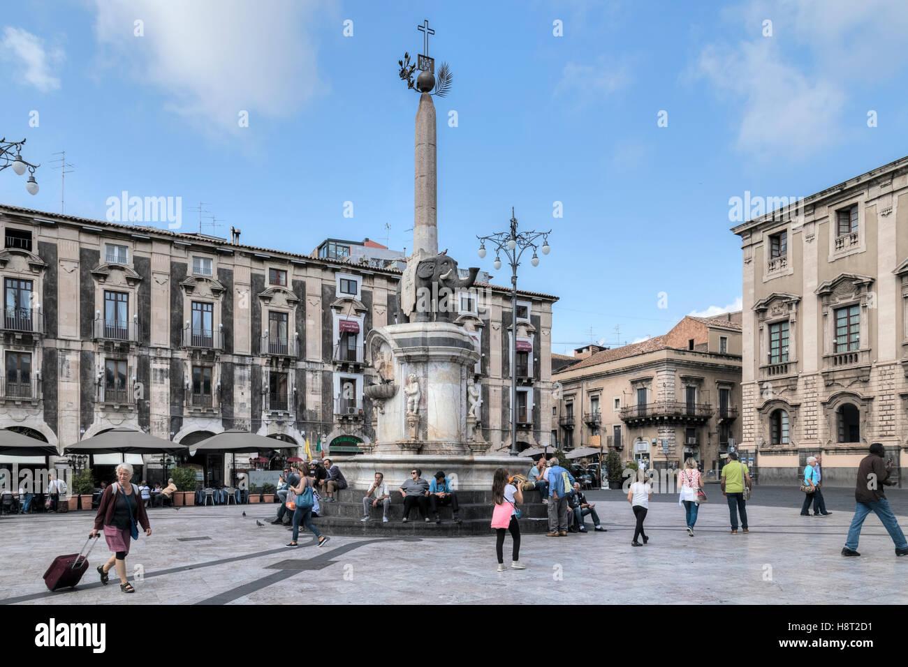 Piazza Duomo, Fontana dell'Elefante, Catania, Sizilien, Italien Stockbild