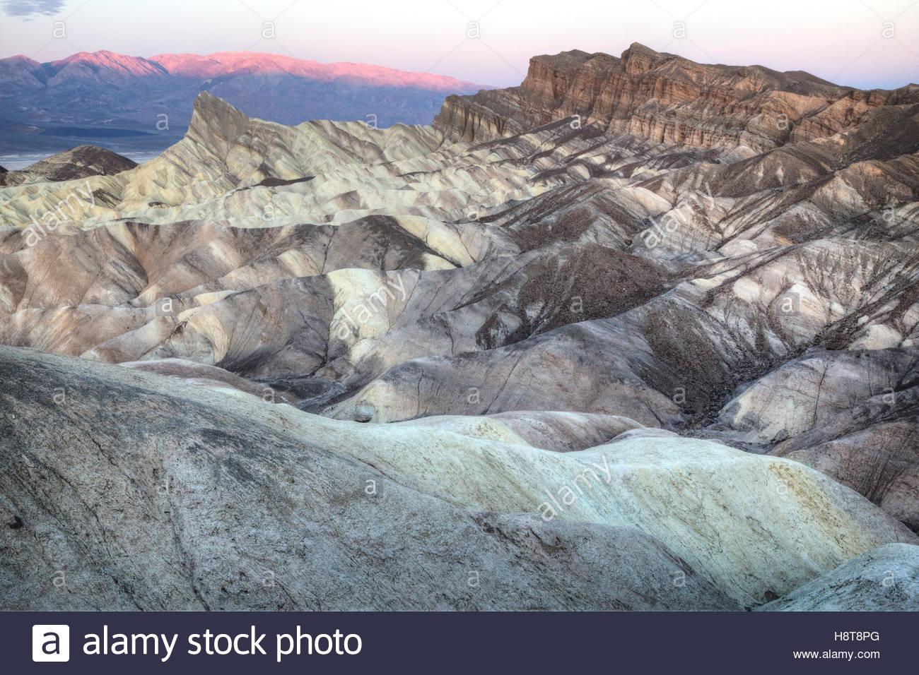Die alte Seegrund und unverwechselbaren Vorgebirge von Manly Beacon Tagesanbruch. Verwitterung und Veränderung Stockbild