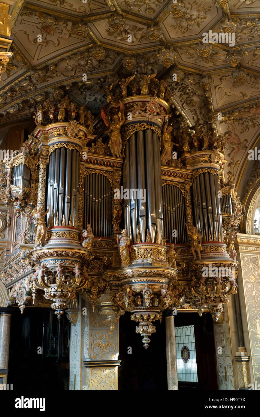 Orgel in der Kapelle von Schloss Frederiksborg in Hillerod, Dänemark Stockbild