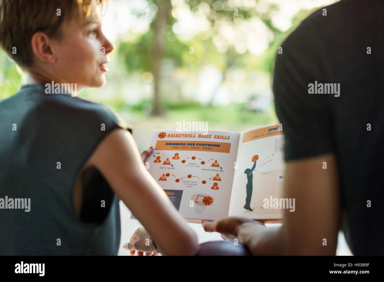 Basketball Game Plan Stockfotos & Basketball Game Plan Bilder ...