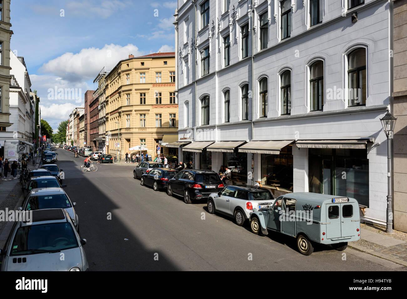 Berlin. Deutschland. Auguststraße im Bezirk Mitte. Stockfoto