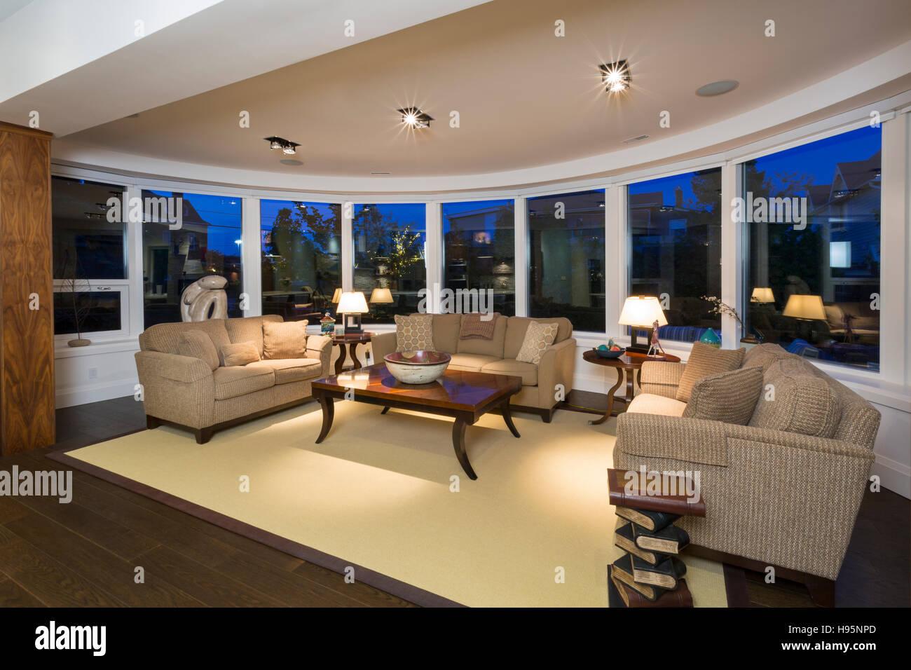 Nordamerika, Kanada, Ontario, Wohnzimmer mit runden Wand Stockbild