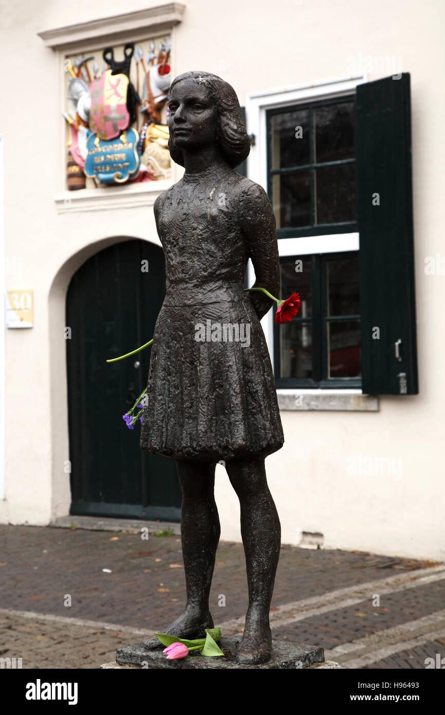 Statue von Anne Frank (1929-1945) in Utrecht, Niederlande. Stockfoto