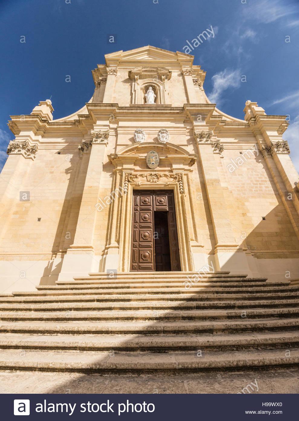 Eingang zur Kathedrale in die Zitadelle in Victoria auf Gozo, Malta. Stockbild