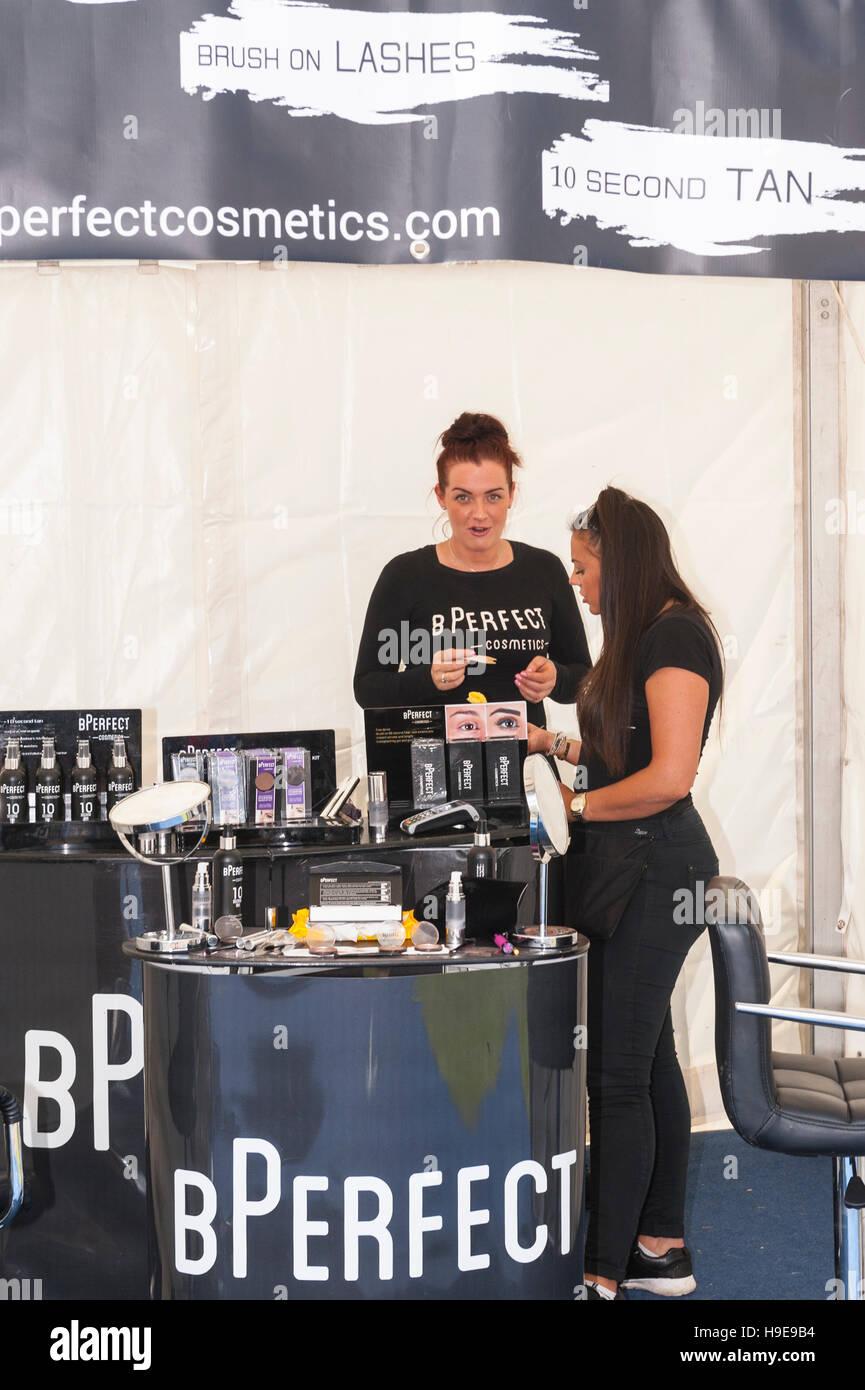 Ein Kosmetik-Stand auf der Royal Norfolk Show im Showground, Norwich, Norfolk, England, Großbritannien, Uk Stockbild