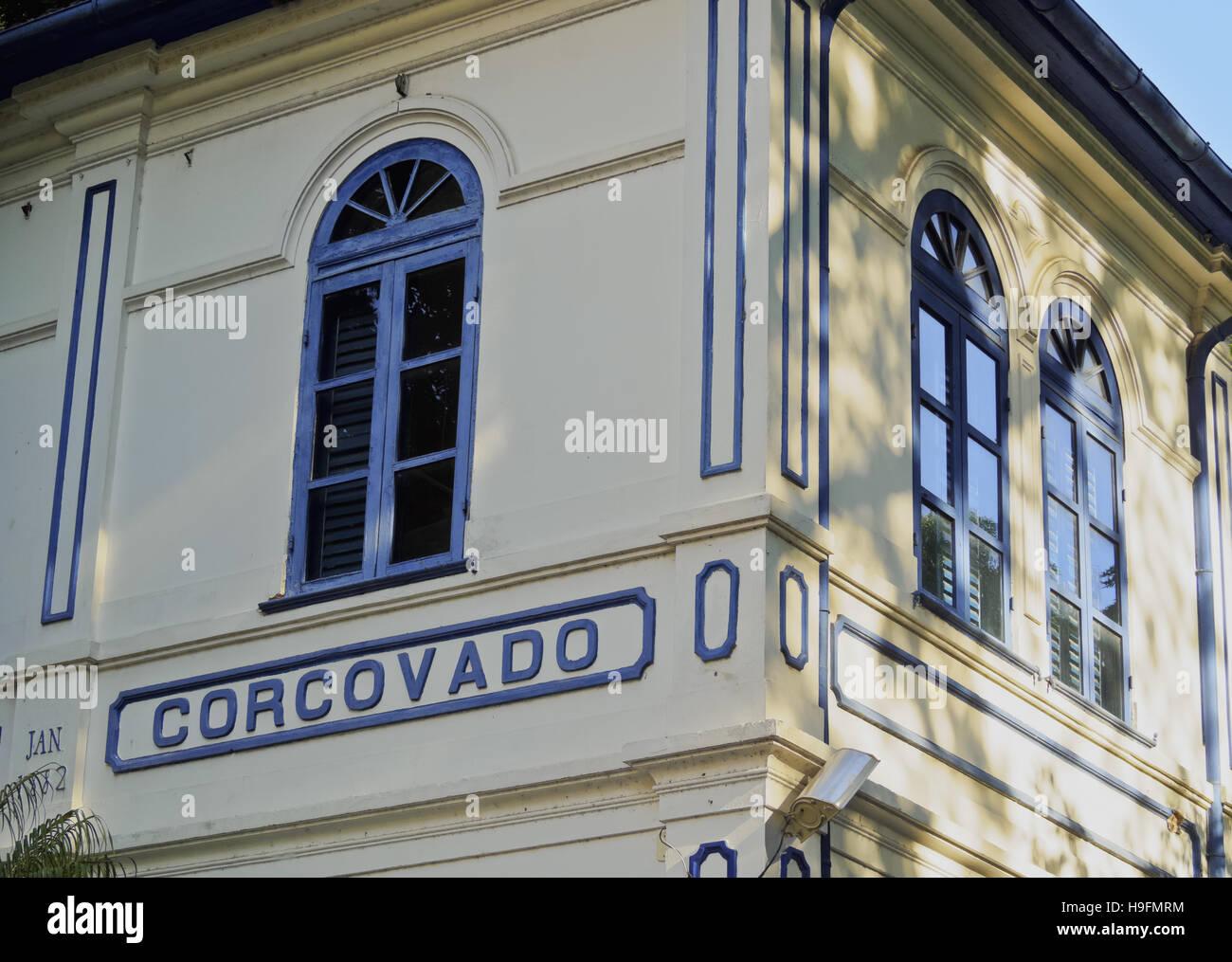 Brasilien, Stadt von Rio De Janeiro, Cosme Velho, Detailansicht der Corcovado Bahnhofsgebäude. Stockbild