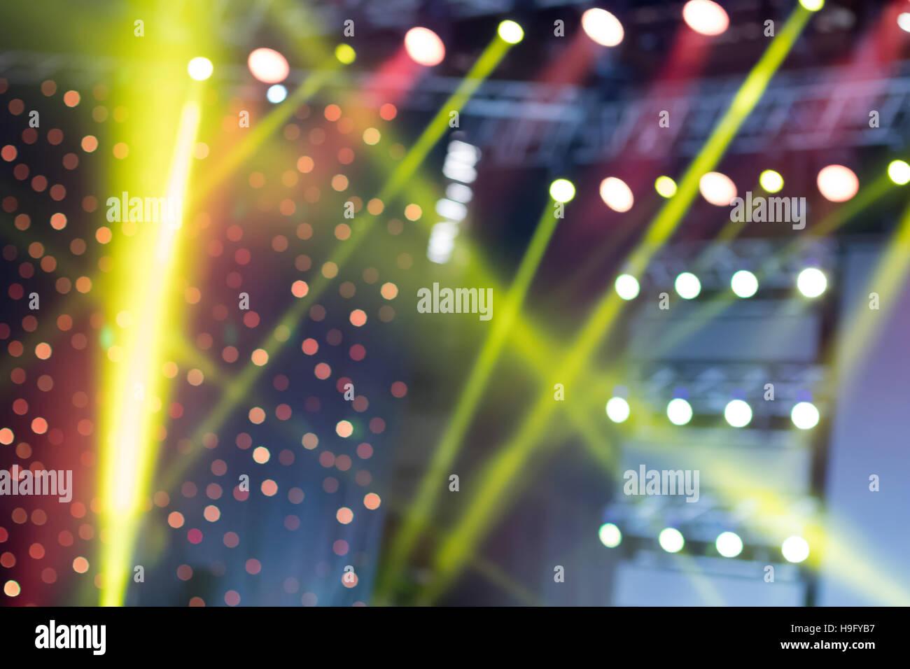 bunte beleuchtung licht show auf dem konzert unscharfer lichter stockfoto bild 126355243 alamy. Black Bedroom Furniture Sets. Home Design Ideas
