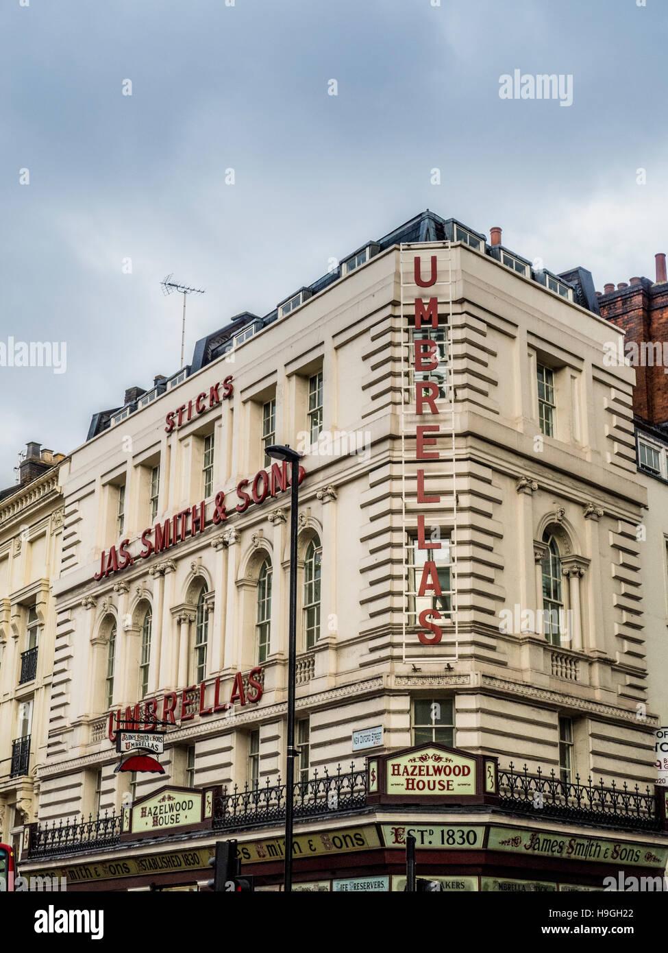Traditionellen viktorianischen Ladenfront James Smith und Söhne Sonnenschirme, New Oxford street, London, UK. Stockbild