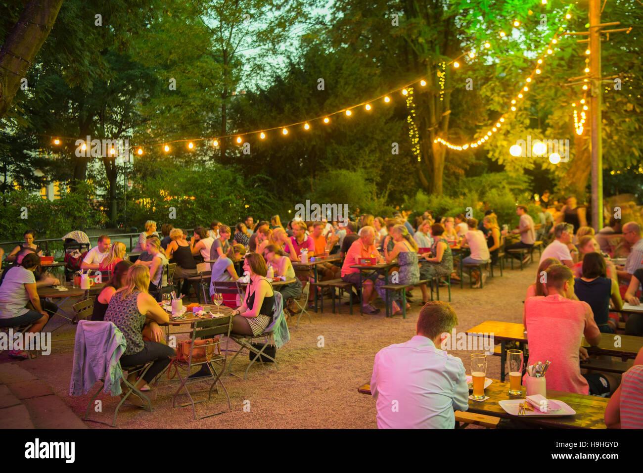 Parkanlage stockfotos parkanlage bilder alamy - Stadtgarten hamburg ...