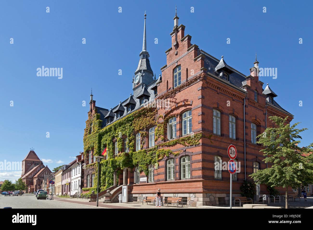 rathaus plau bin see mecklenburgische seenplatte mecklenburg west pomerania deutschland. Black Bedroom Furniture Sets. Home Design Ideas
