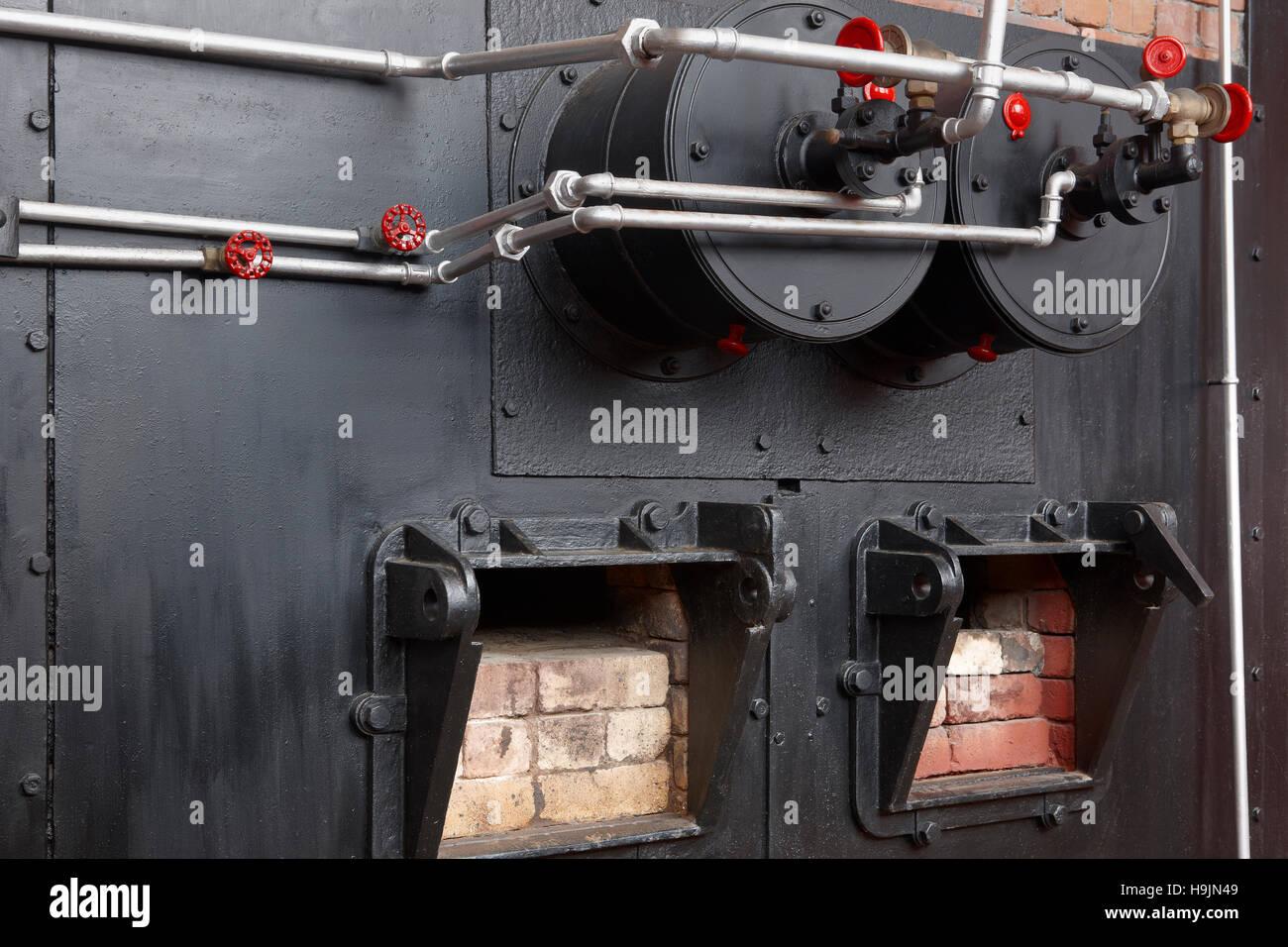 Old Gas Boiler Stockfotos & Old Gas Boiler Bilder - Alamy
