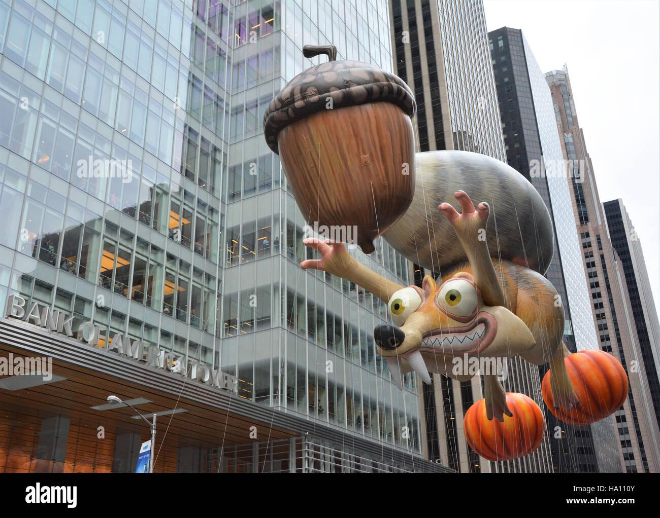 Scrat und seine Eichel aus dem Film Ice Age. Stockbild