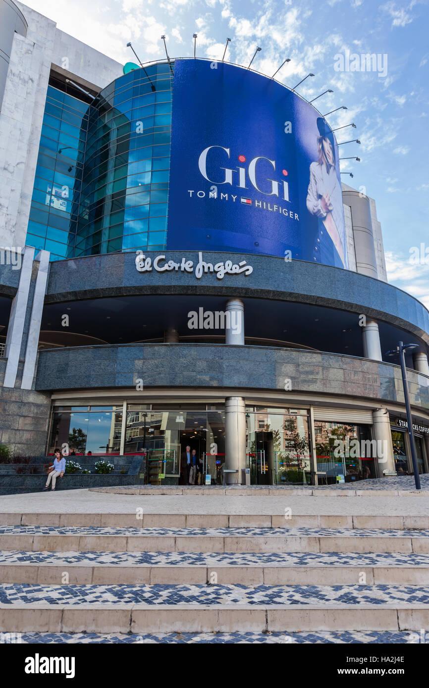 Lissabon, Portugal - 19. Oktober 2016: El Corte Ingles, ein high-End-Shopping-Mall der globalen Handelsunternehmen, Stockbild