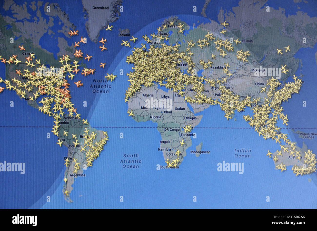 Karte Des Weltweiten Flugverkehrs Auf Internet Mit Flightradar 24