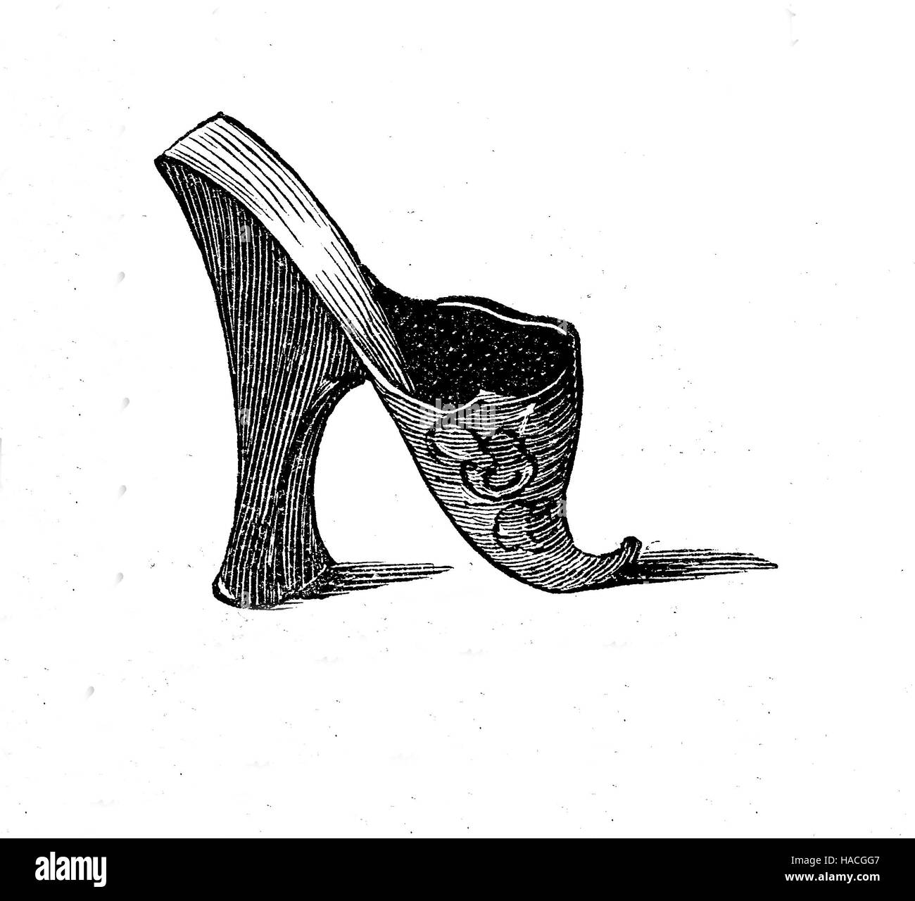 Schuhe, Mode vergangener Zeiten. Pantoffel aus Seitengasse, 18. Jahrhundert, historische Illustration, Holzschnitt Stockbild