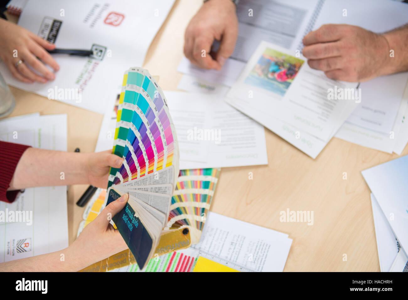 Fan Pantone Colour Stockfotos & Fan Pantone Colour Bilder - Alamy