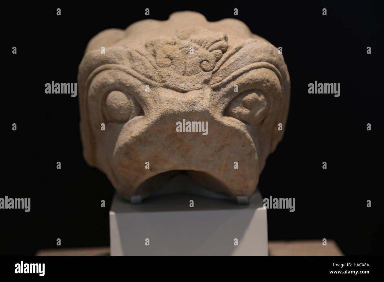 Griffin Kopf. Kalkstein. Iberischen Kultur. 6.-5. Jahrhundert BC. Redovan, Alicante. Nationales Archäologisches Stockbild