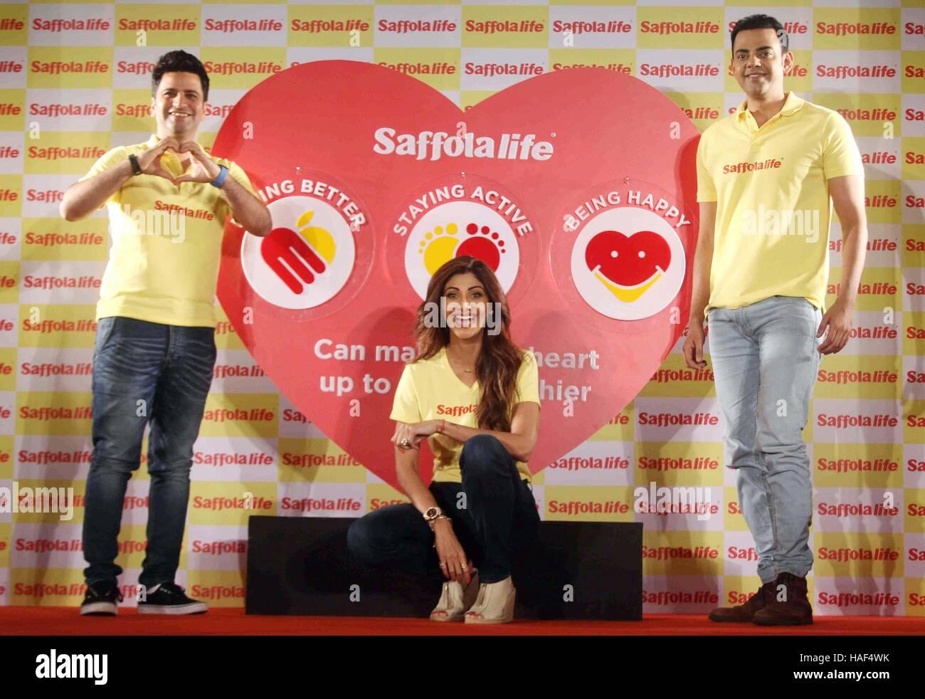 Schauspieler Shilpa Shetty zeigt ihre Fitness Anwesenheit von Küchenchef Kunal Kapur Cyrus Sahukar Weltherztag Stockbild