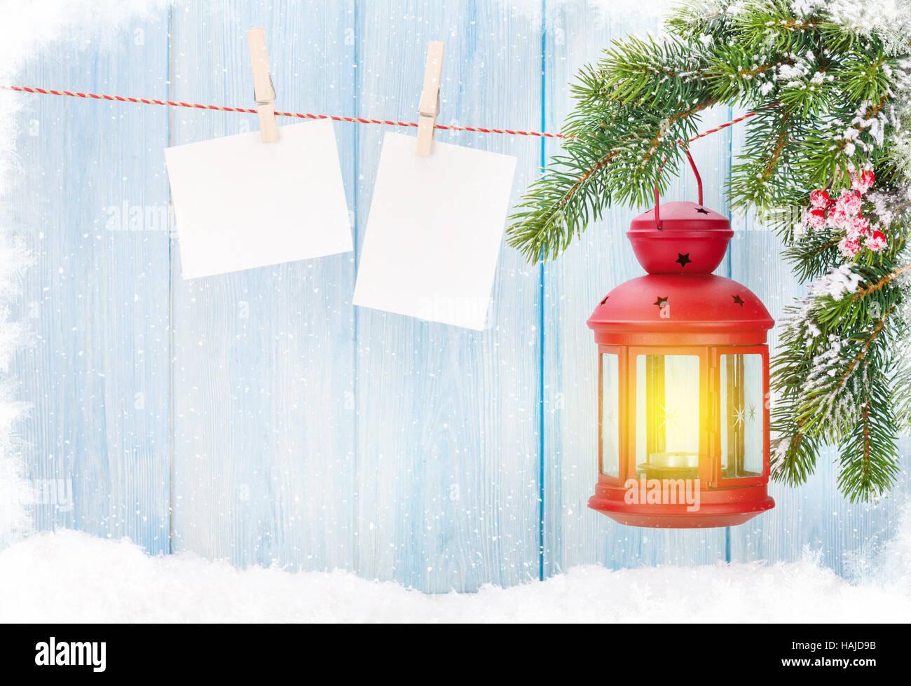 Weihnachten Kerze Laterne und leere Bilderrahmen Stockfoto, Bild ...