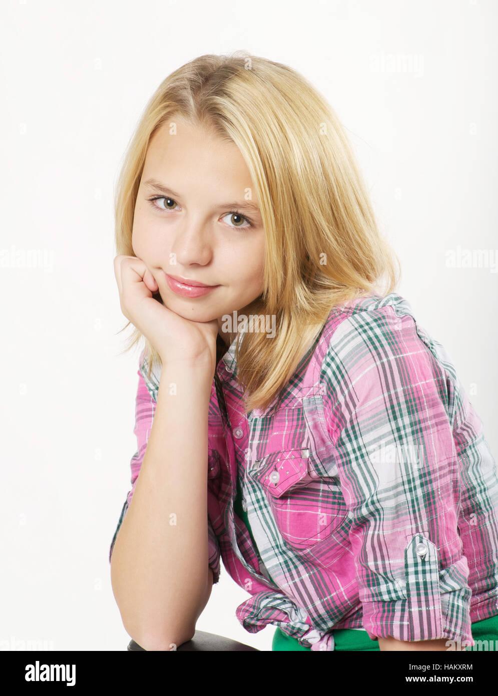 Se blonde Teen in Rock liebt es, ihren Krper zu zeigen