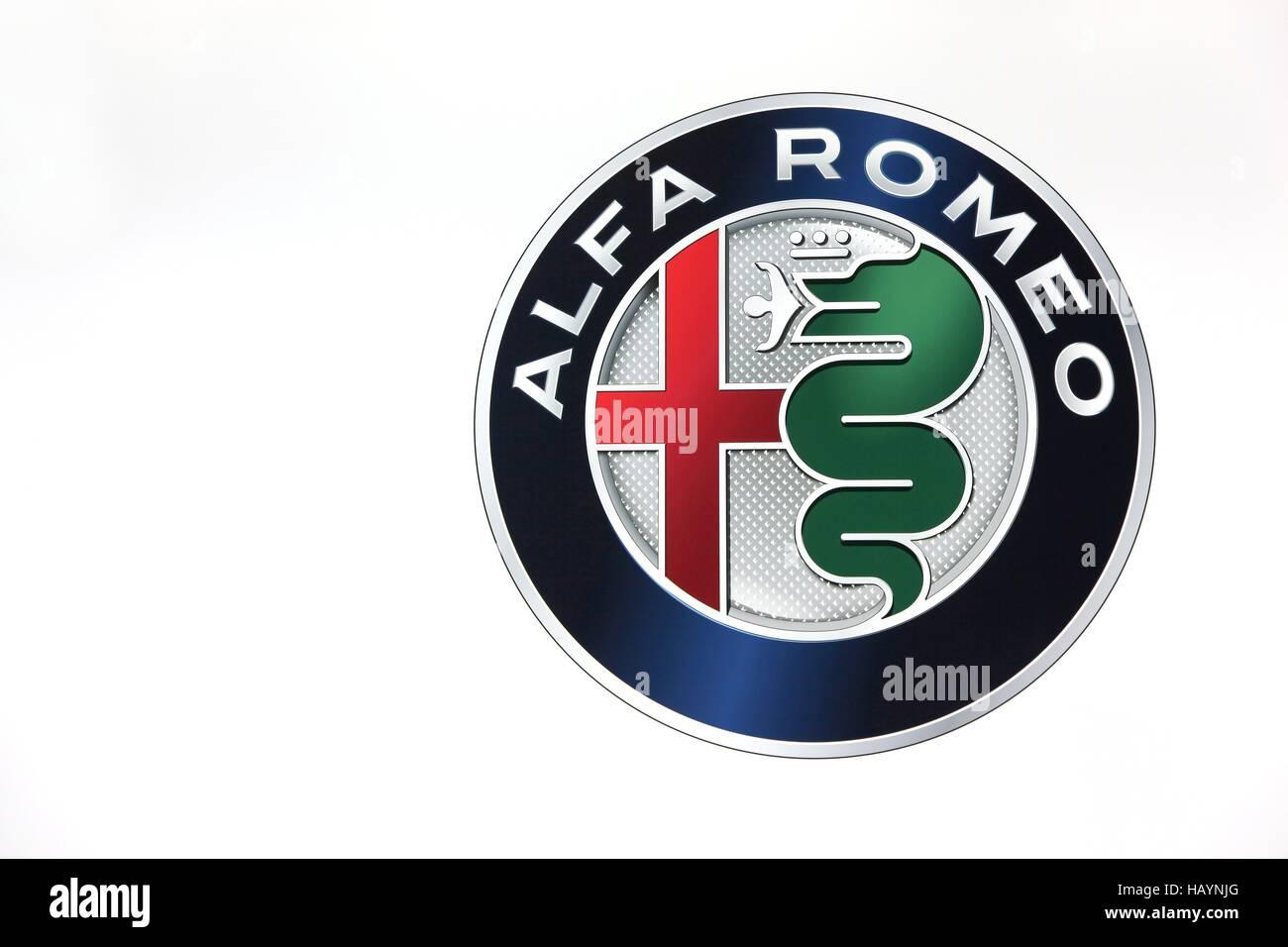 Alfa Romeo Logo auf einer Wand Stockbild
