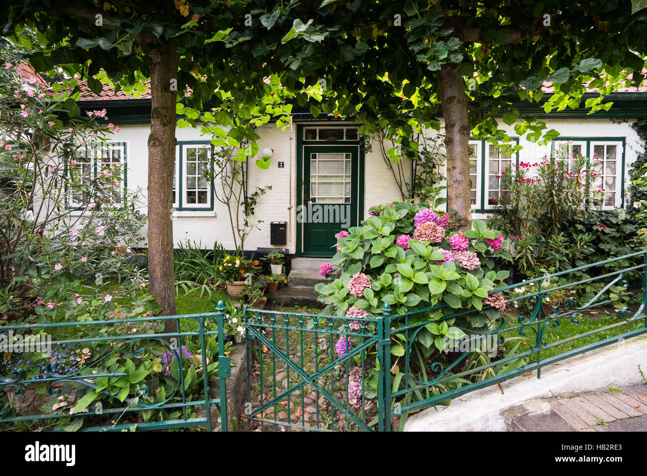 treppen viertel in blankenese hamburg stockfoto bild 127296123 alamy. Black Bedroom Furniture Sets. Home Design Ideas