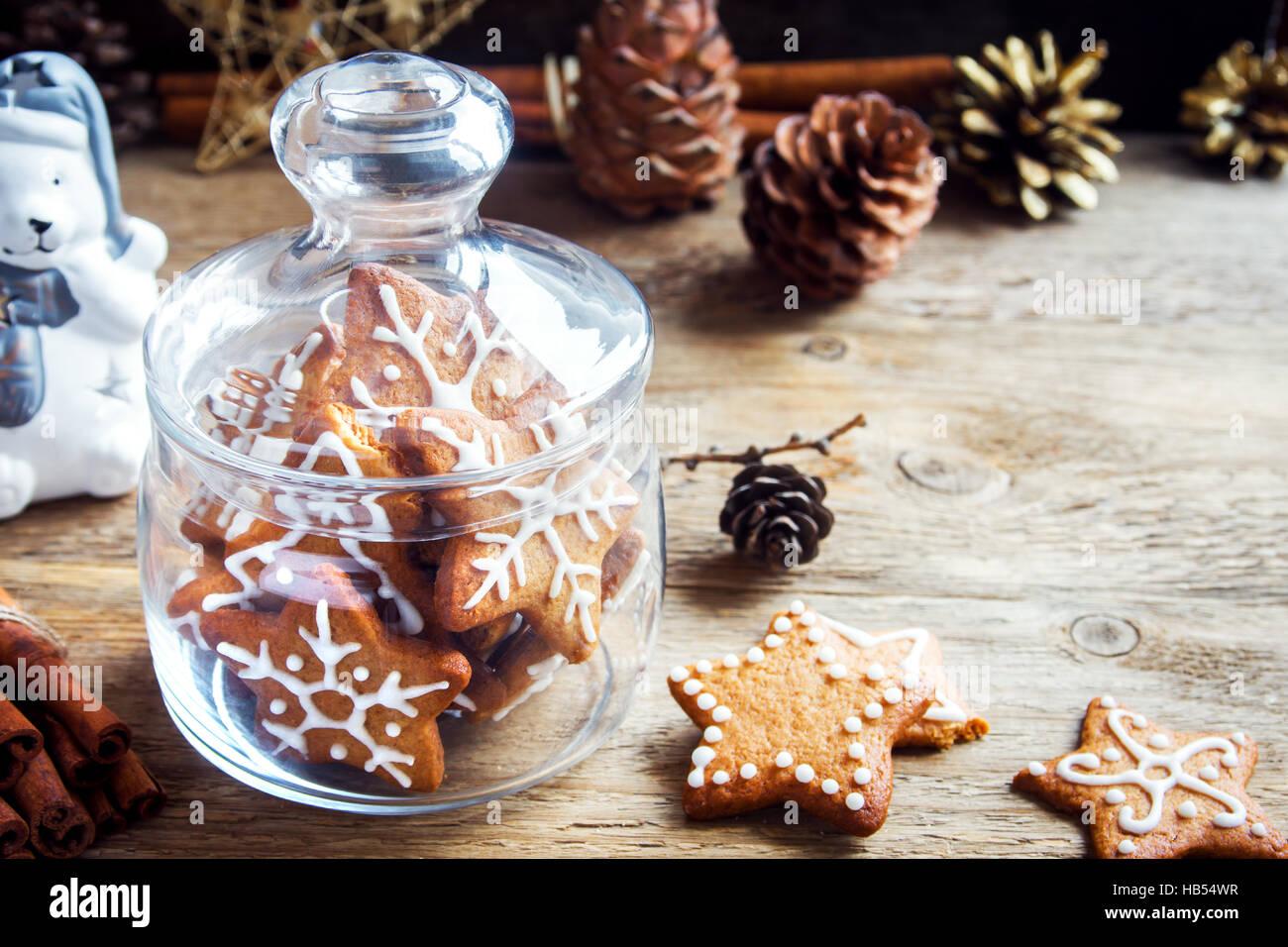 Weihnachten Lebkuchen In Glas Jar Uber Rustikalen Holztisch Mit