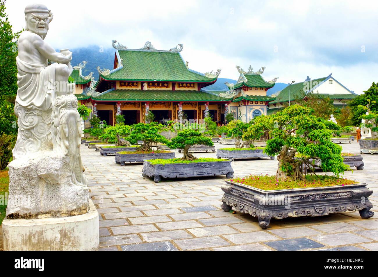 Arhat-Garten in der Son Tra Linh Ung Pagode, Da Nang, Vietnam Stockbild