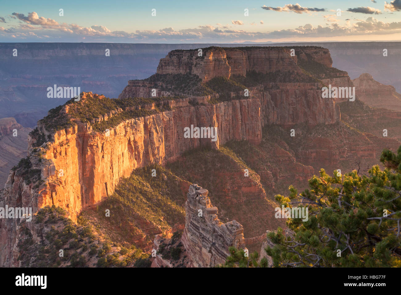 Anzeigen des Grand Canyon, rock-massiv, North Rim, Grand Canyon National Park, Arizona, USA Stockbild