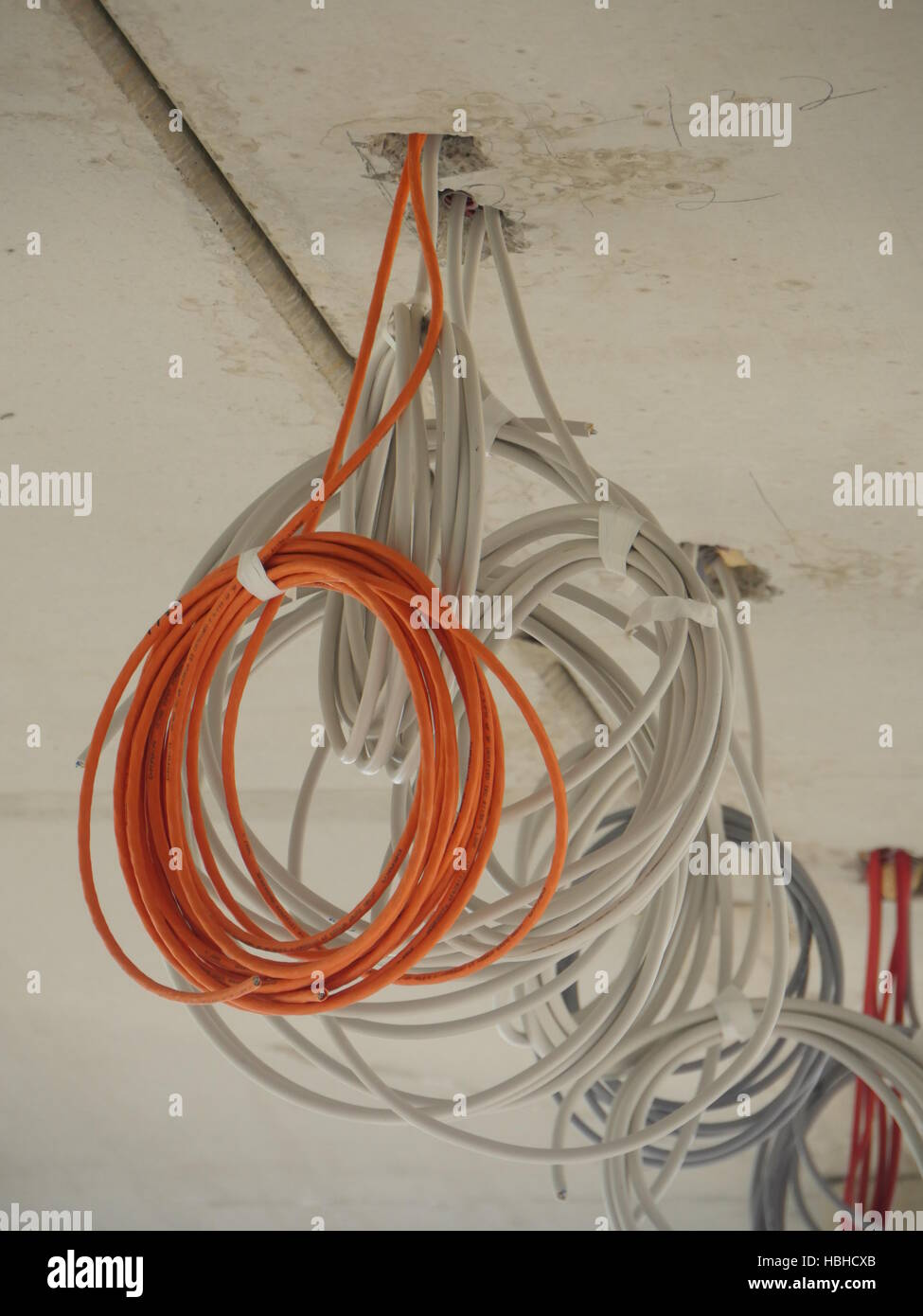 Gemütlich 2 Rote Drähte Von Der Decke Bilder - Schaltplan Serie ...