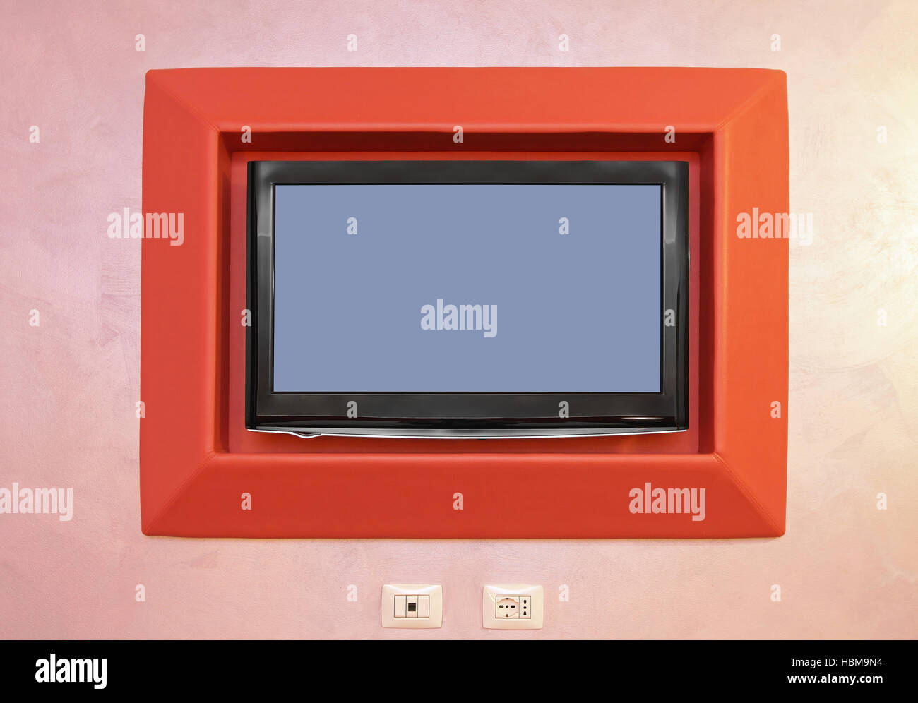 tv monitor wall stockfotos tv monitor wall bilder alamy. Black Bedroom Furniture Sets. Home Design Ideas