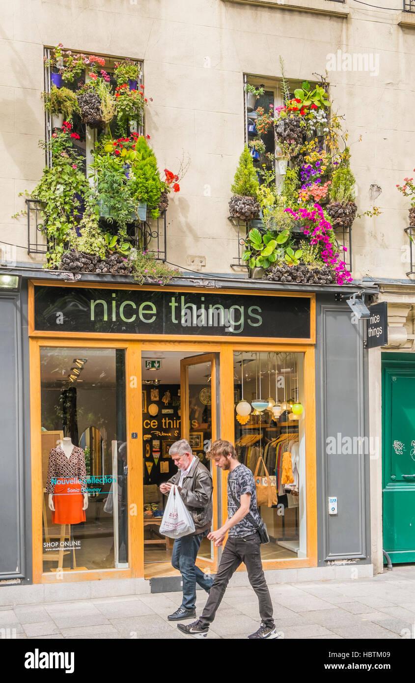 e2f3415e9ebcec Außenansicht der schöne Dinge shop Stockfoto