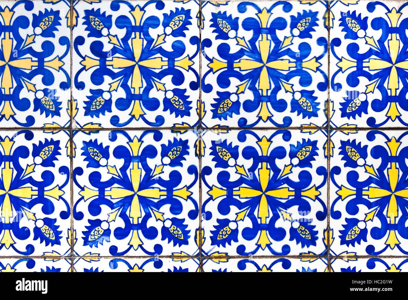 Traditionelle Portugiesische Fliesen Azulejos In Porto Stockfoto - Portugiesische fliesen azulejos