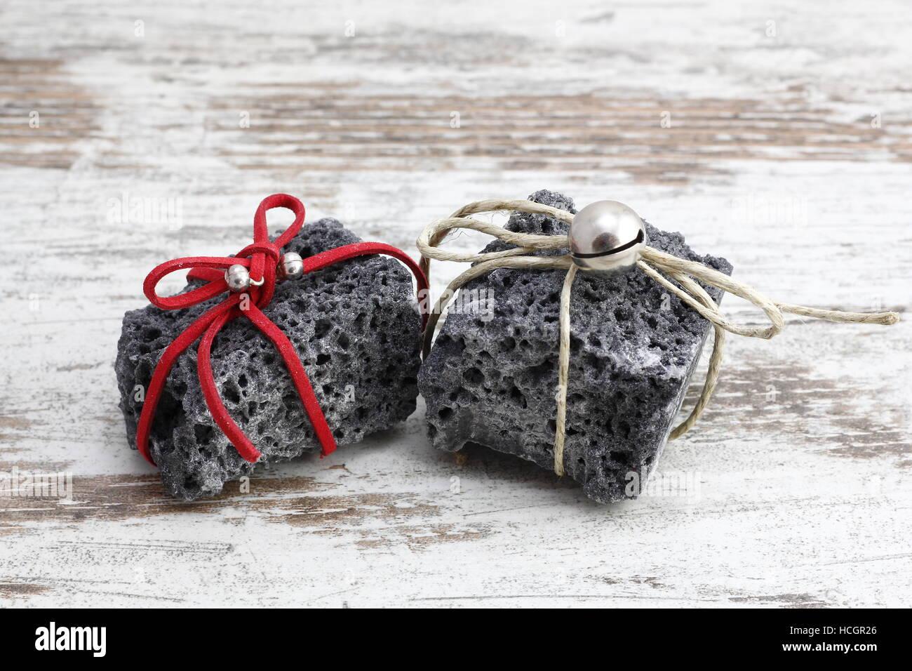 Weihnachten-Kohle mit rot-weißen Band, süßes Geschenk für freche ...