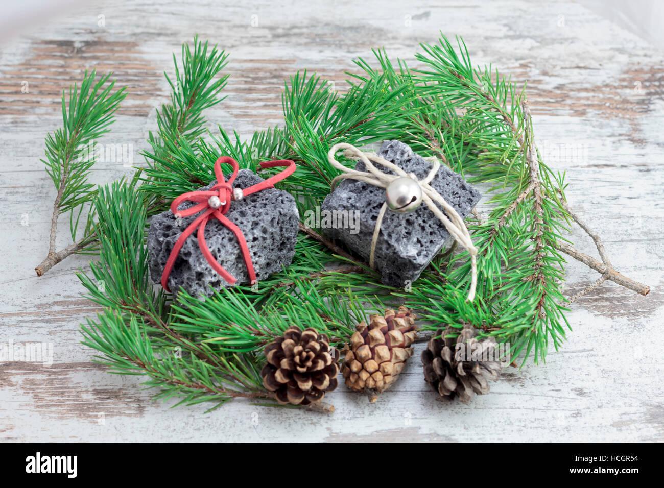 Weihnachten-Kohle und Kiefer verlässt, süßes Geschenk für freche ...