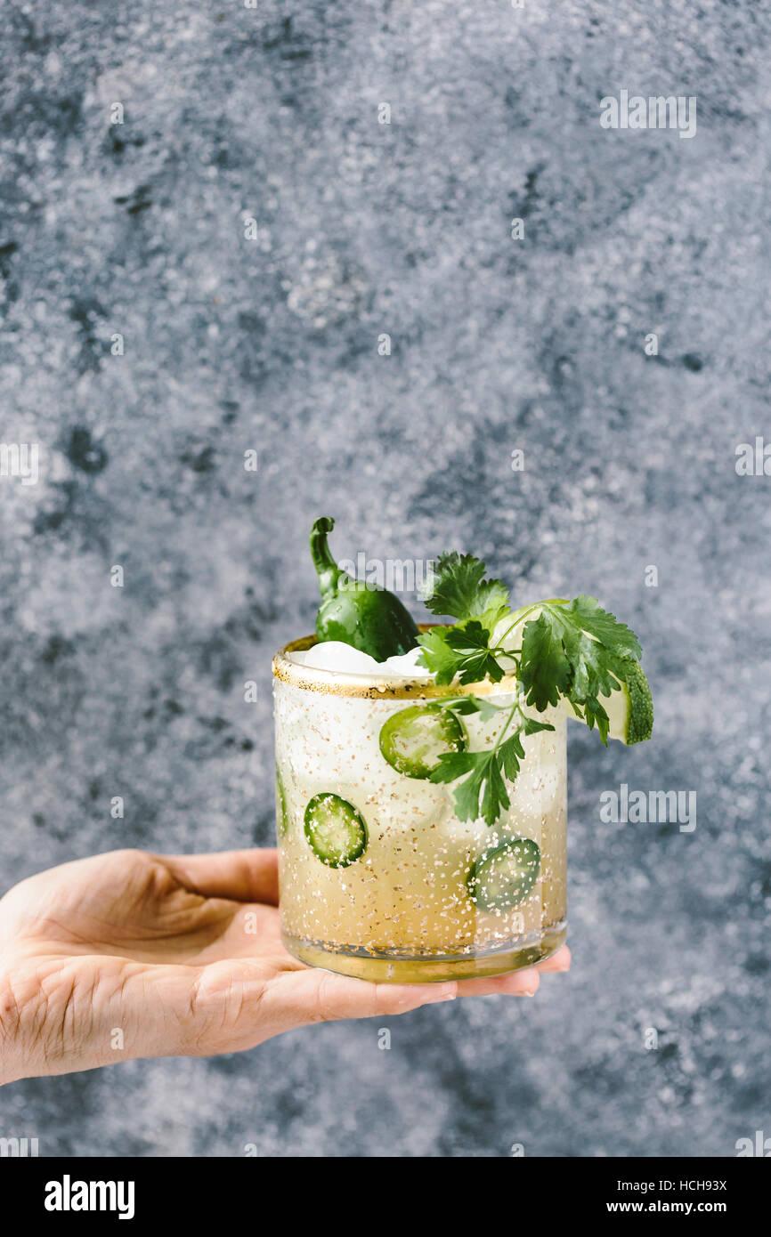 Landhausküche Apeo   Glas Vor Stockfotos Glas Vor Bilder Alamy