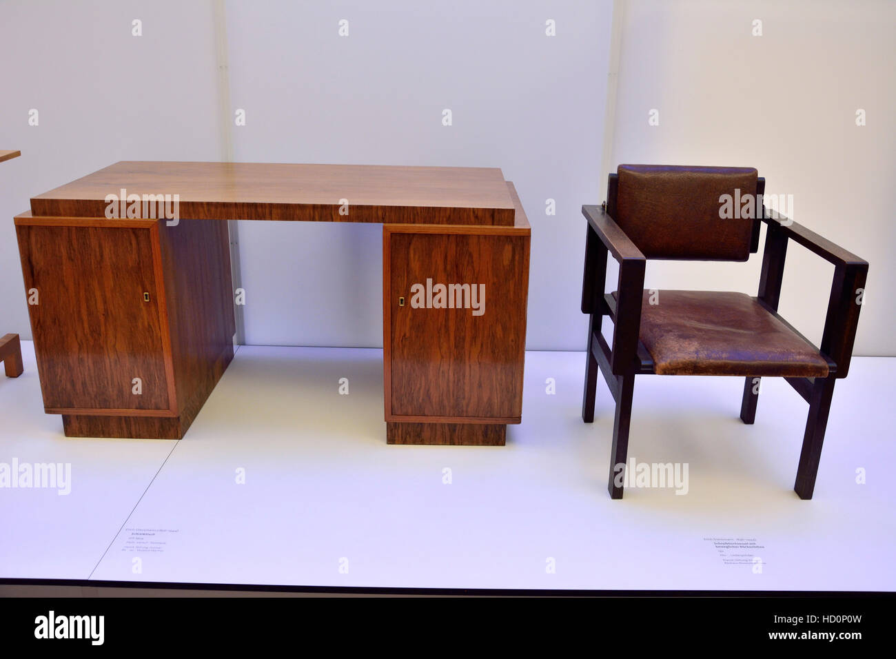 bauhaus m bel auf dem display an das bauhaus museum in weimar stockfoto bild 128480377 alamy. Black Bedroom Furniture Sets. Home Design Ideas
