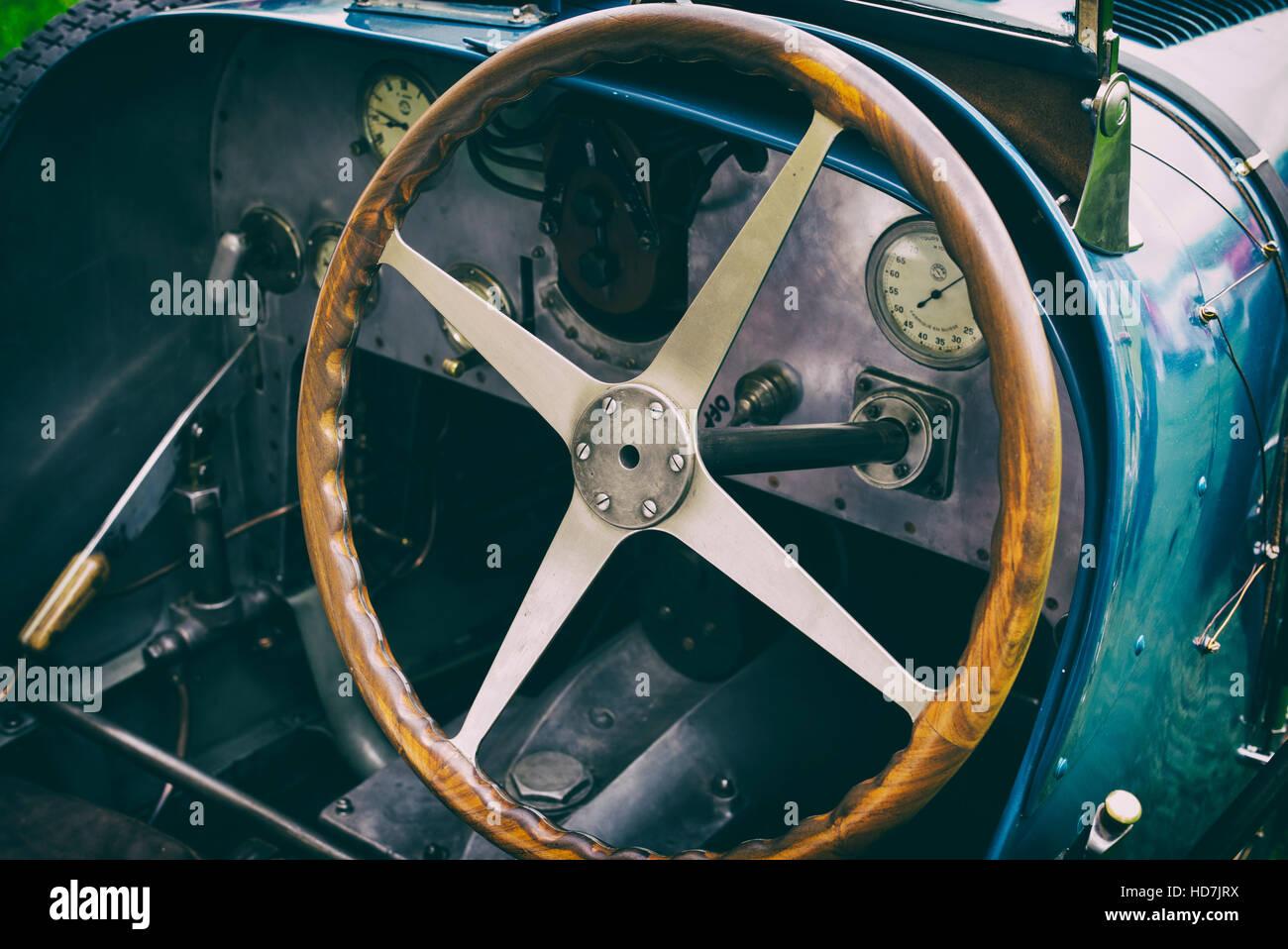 Oldtimer Bugatti Typ 35 b Racing Car Interieur. VEREINIGTES ...