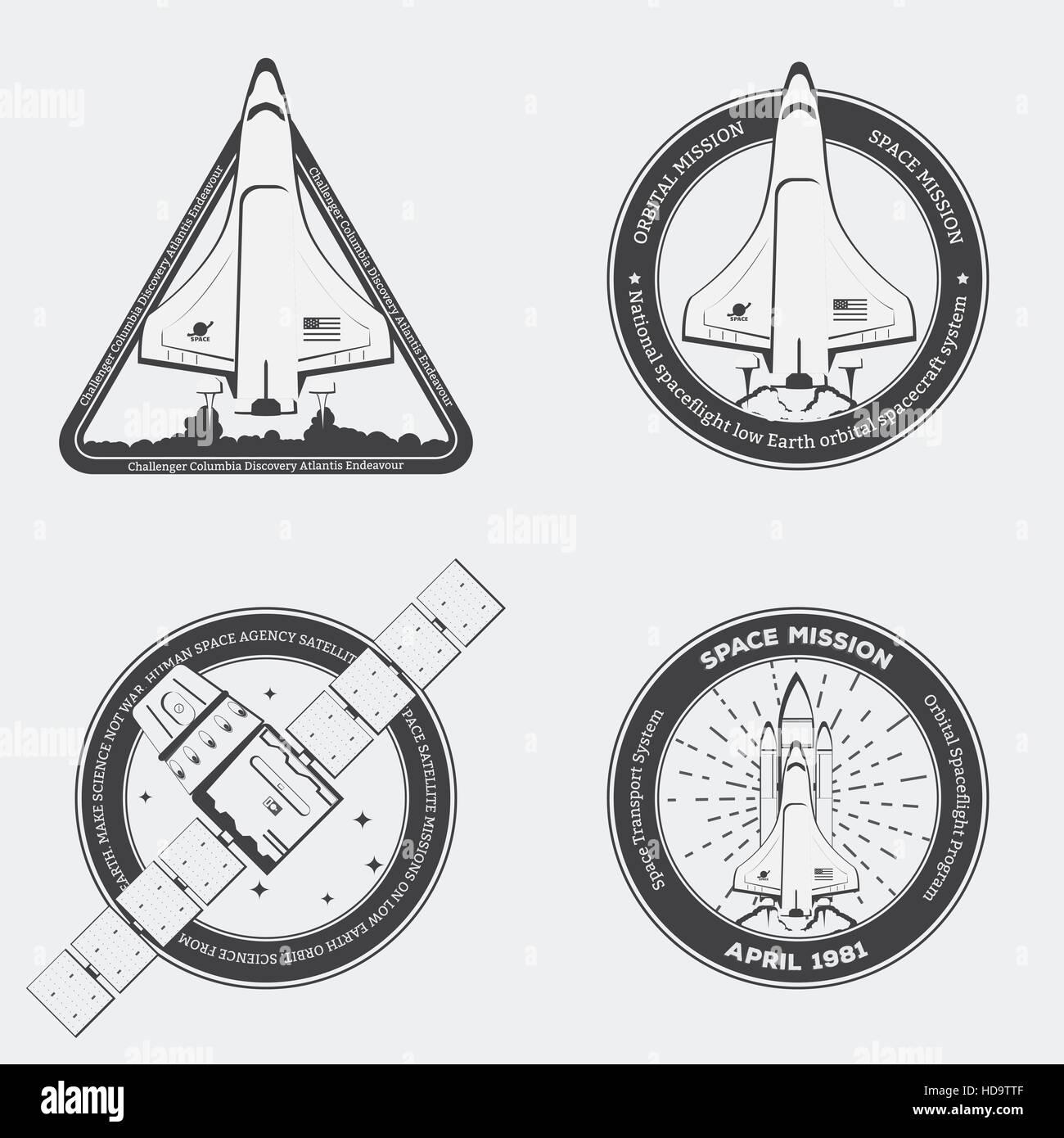 Retro schwarz Raumfähre Embleme mit Sternen im Vintage-Stil. Space Shuttle mit Rucola und niedrigen Erdsatelliten Stockbild