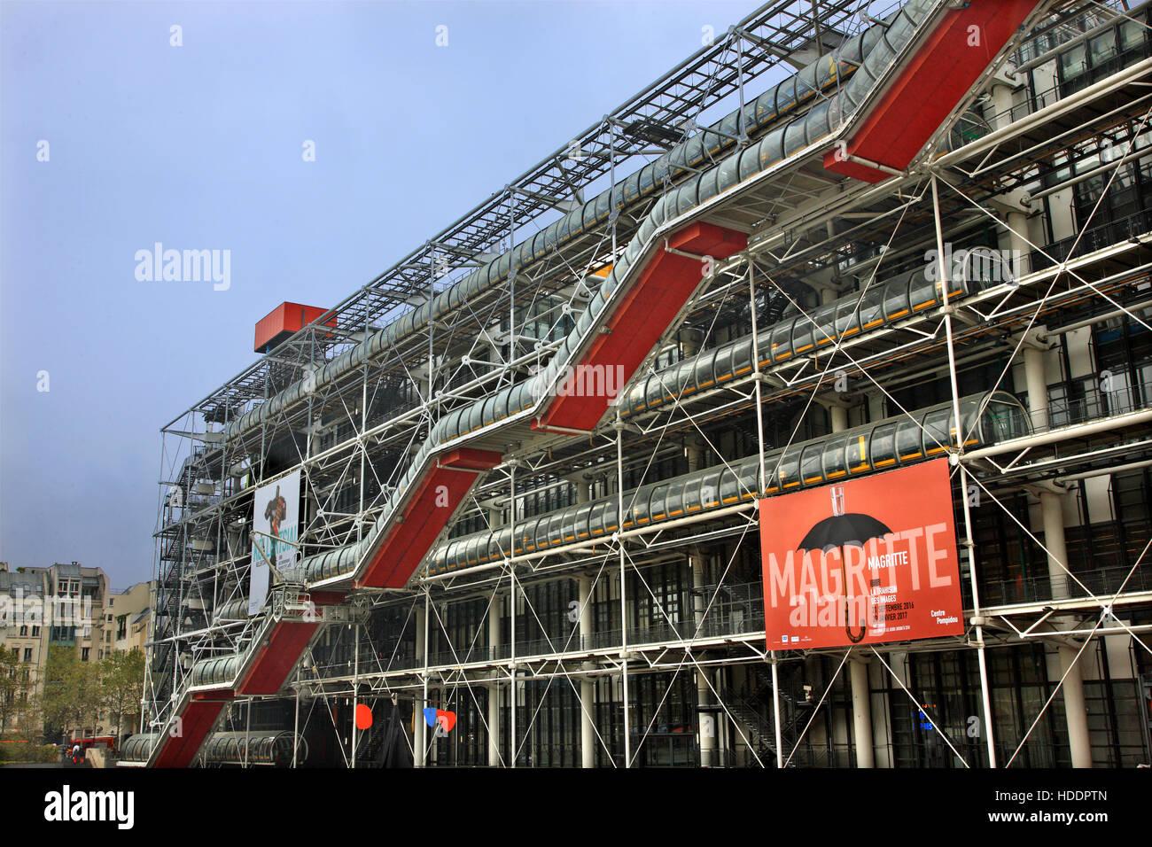 Centre Georges Pompidou, einem komplexen Gebäude im Bereich Beaubourg im 4. Arrondissement von Paris. Stockbild