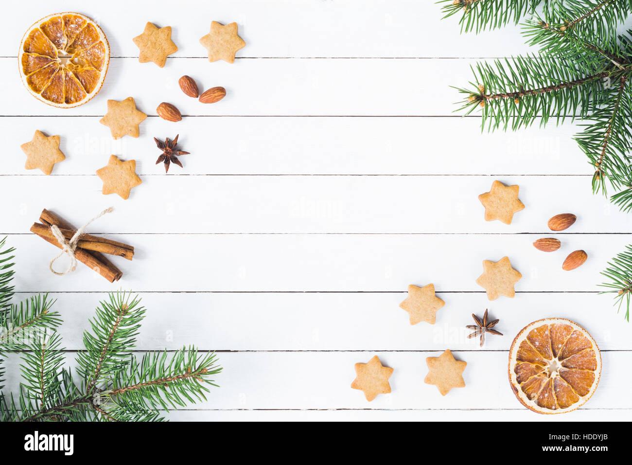Sterne Weihnachten Rahmen mit Lebkuchen, Kekse, Gewürze und Tanne ...