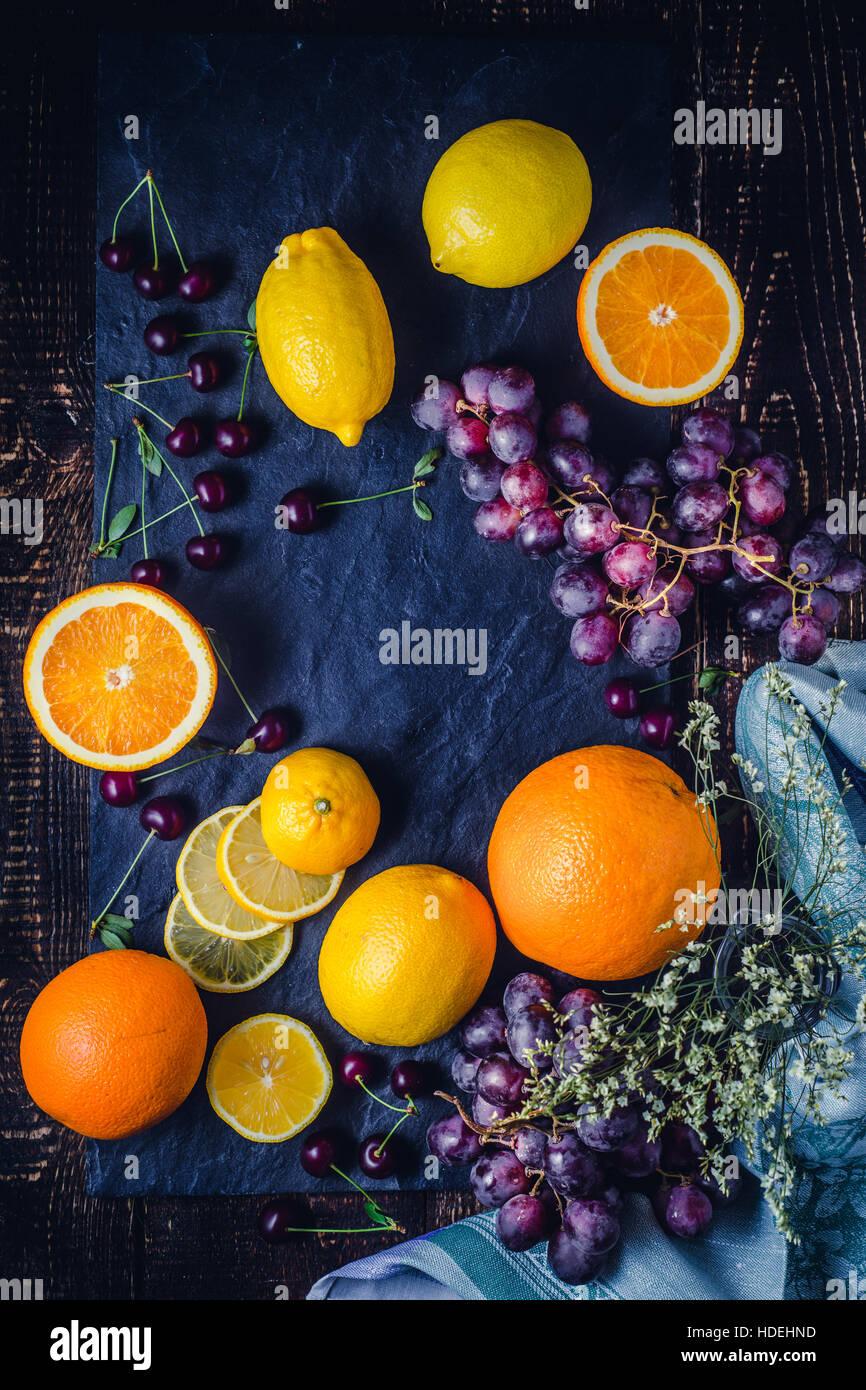 Orange Zitrone Traube Kirschenfrucht Beere Saison Stockbild