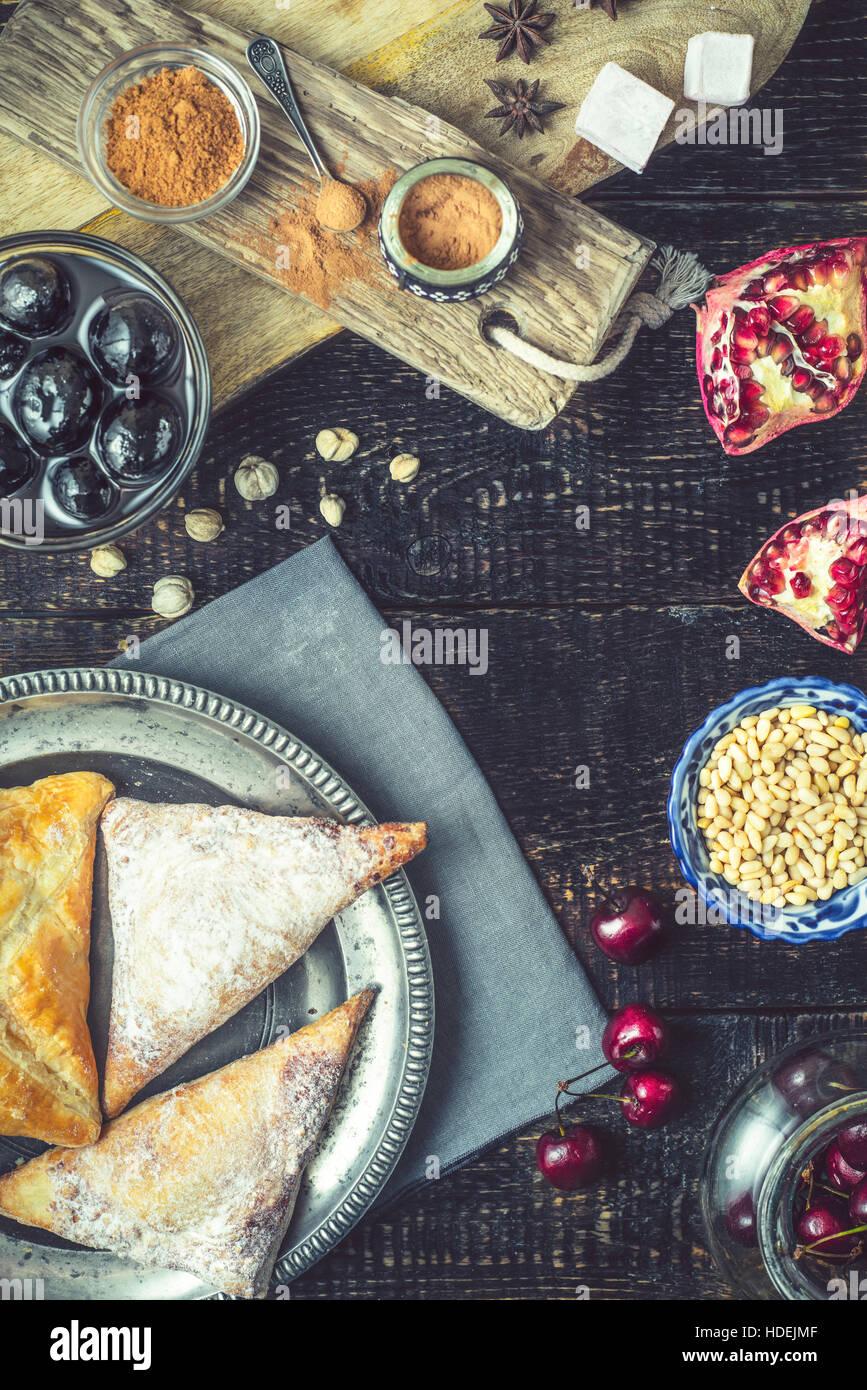 Baklava Walnuss Marmelade Sternanis Blätterteig Brötchen Kaffee Stockbild