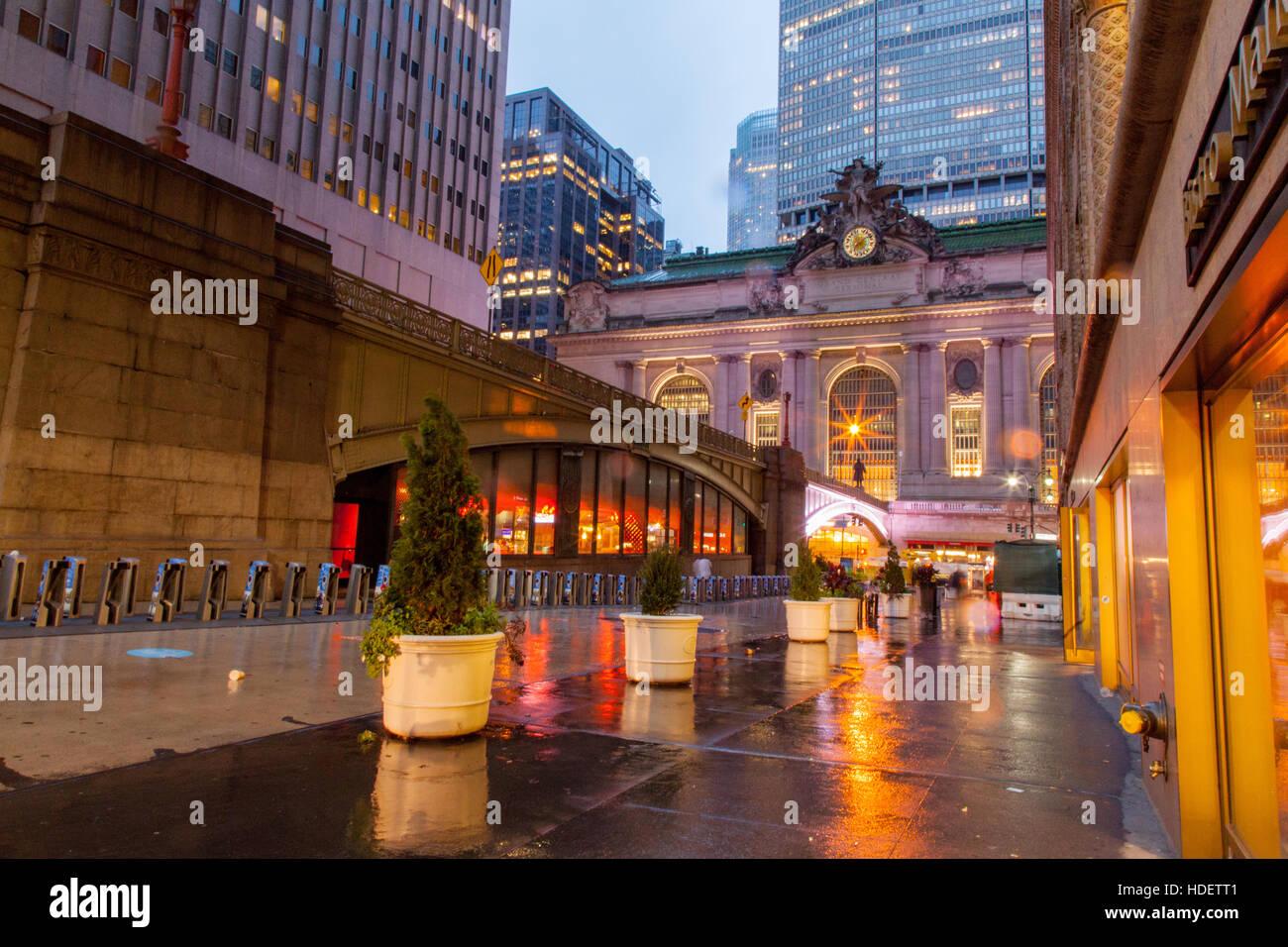 Grand Central station außen 42nd Street, Manhattan, New York City, Vereinigte Staaten von Amerika. Stockbild
