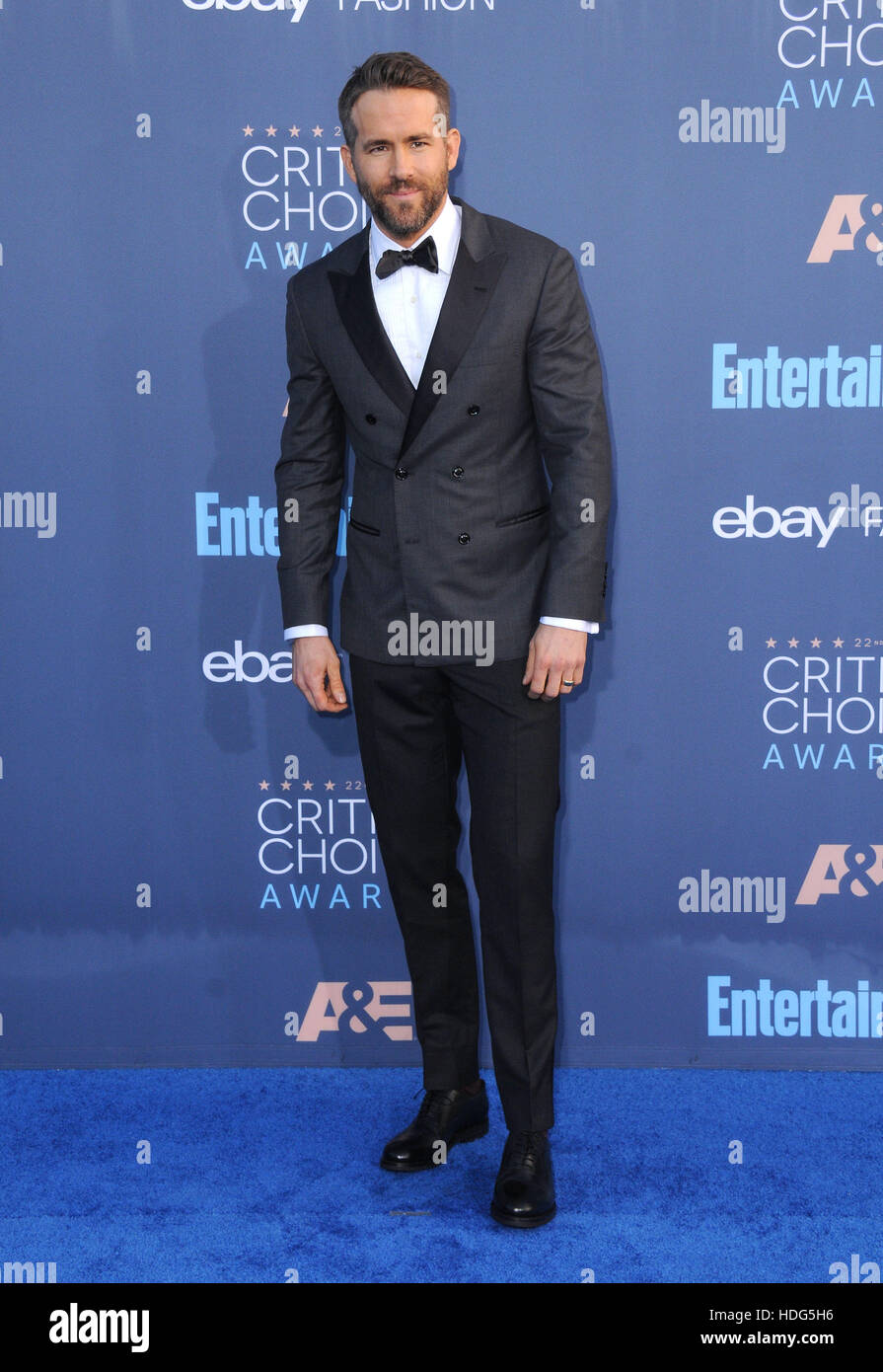 Santa Monica, Kalifornien, USA. 11. Dezember 2016. Ryan Reynolds. 22. Annual Critics' Choice Awards auf Barker Stockbild